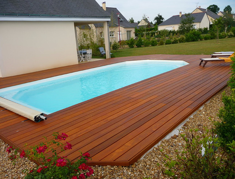 Swimming Pool Decking Designs