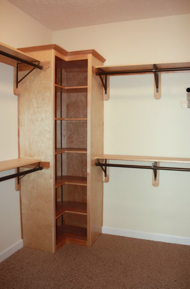 Closet Systems With Corner Shelves