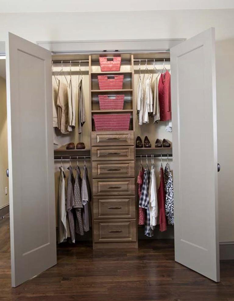 Small Walk In Closet Plans