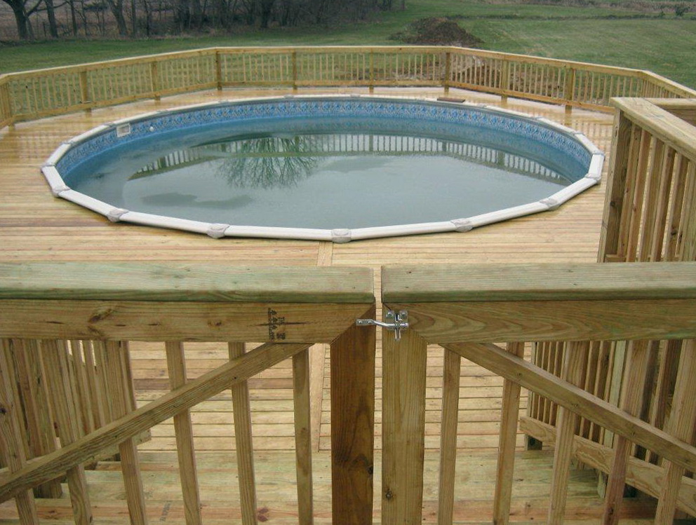 Building A Pool Deck Gate