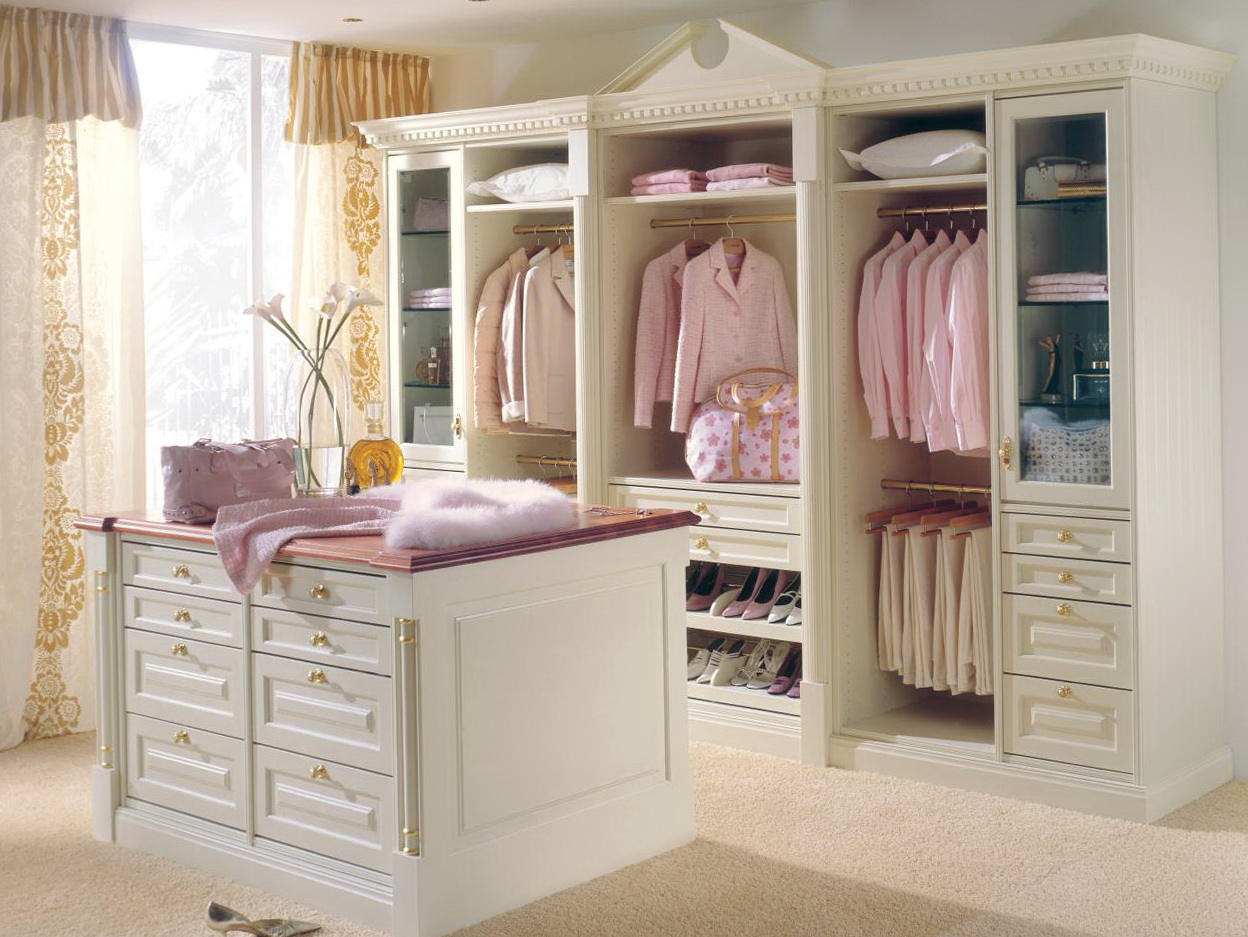 Closet Center Island With Drawers