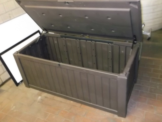 Extra Large Deck Box 150 Gallon