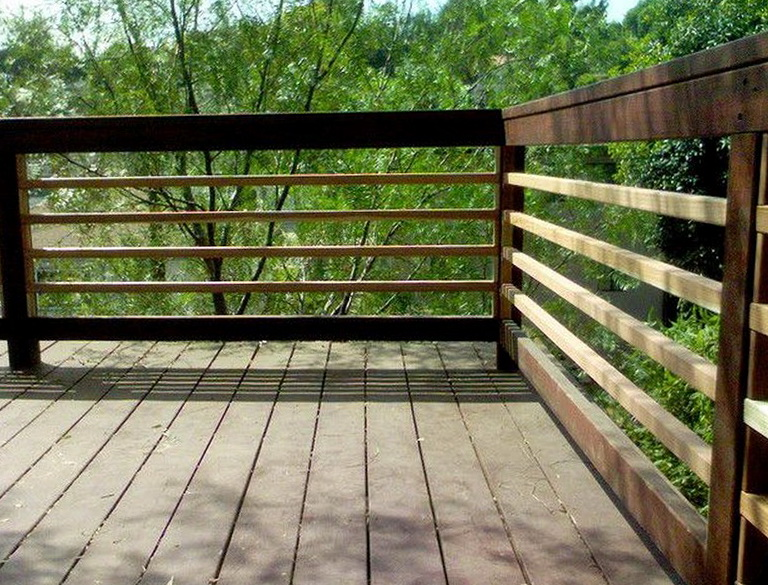 Horizontal Deck Railing Ideas