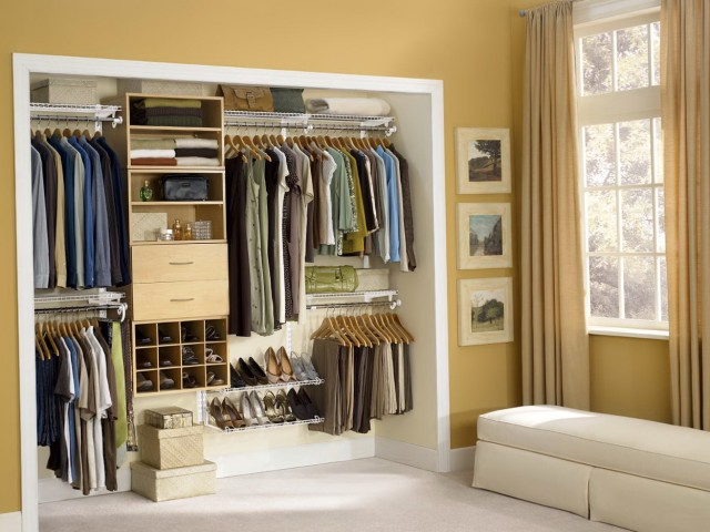 Reach In Closet Layout Ideas