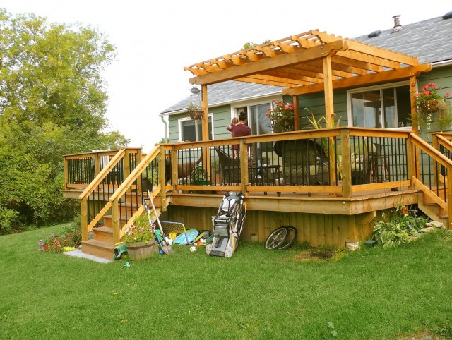 Small Deck Pergola Designs