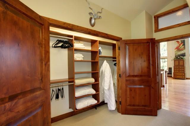 Bedroom Wall Closet Ideas