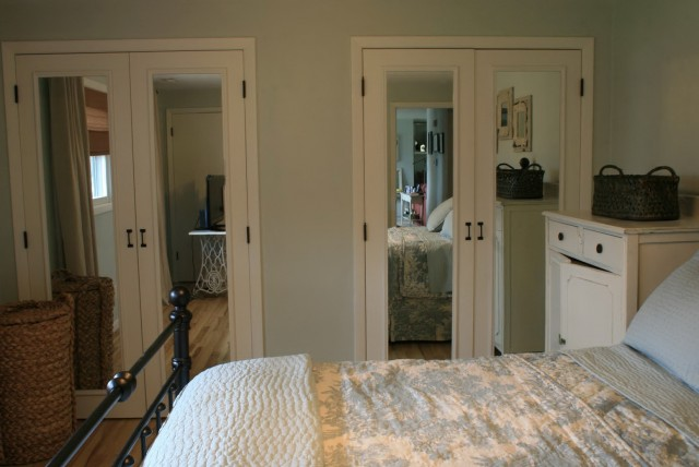 Closet Doors With Mirrors On Them