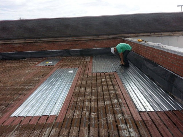 Corrugated Metal Roof Deck