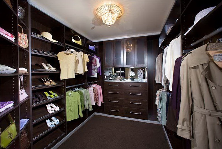 Modern Master Bedroom Closets