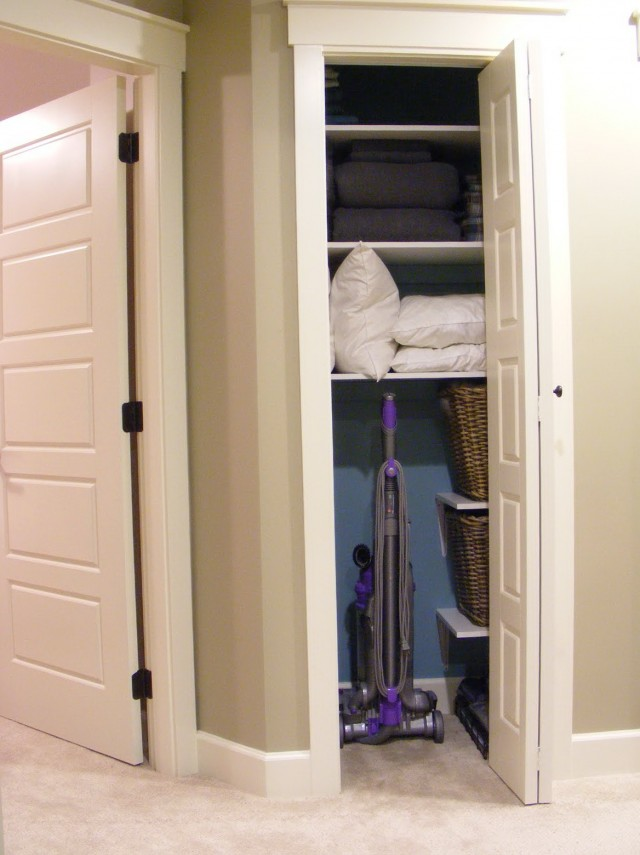 Small Linen Closet Organizers