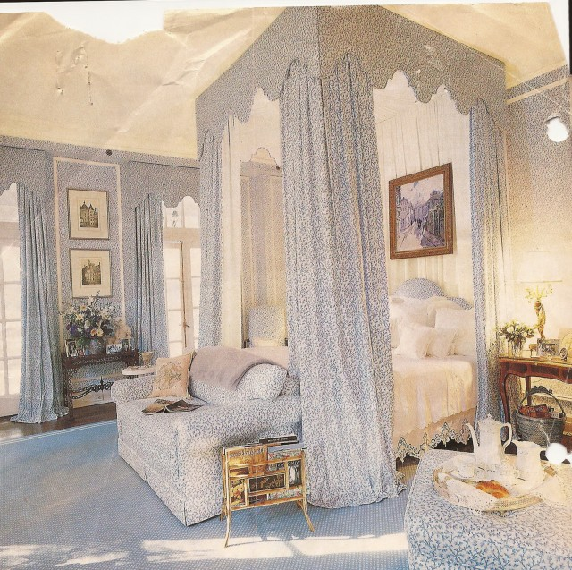 Bed With Curtains Around It