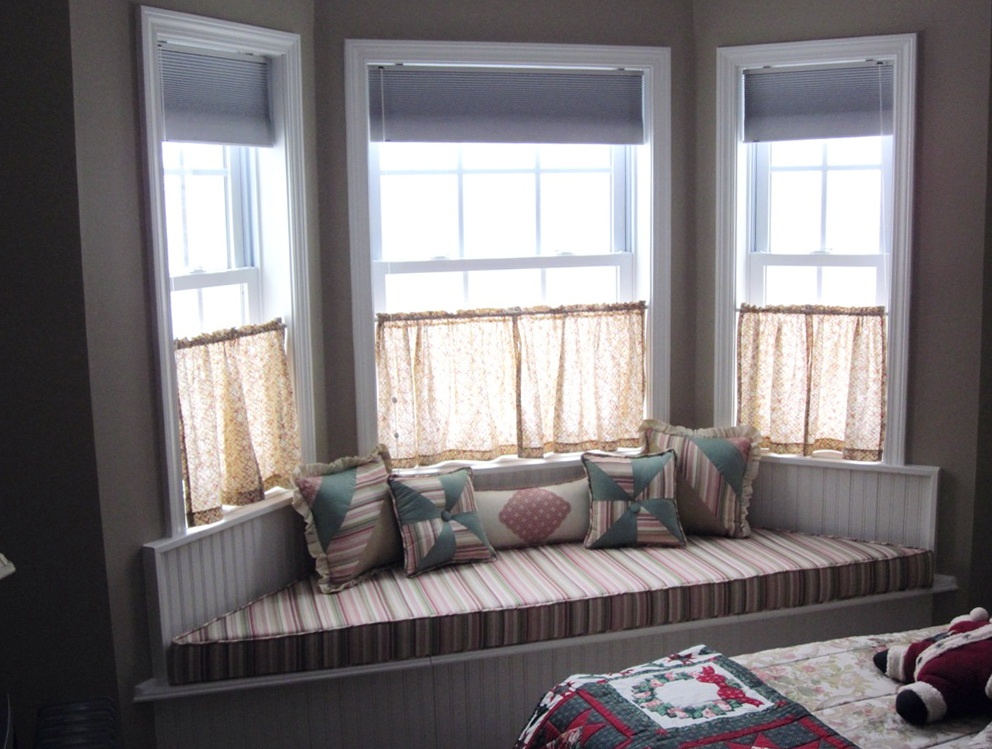 Small Bay Window Curtain Ideas