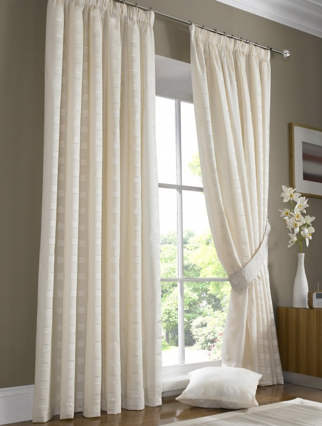 Blinds Vs Curtains Cost