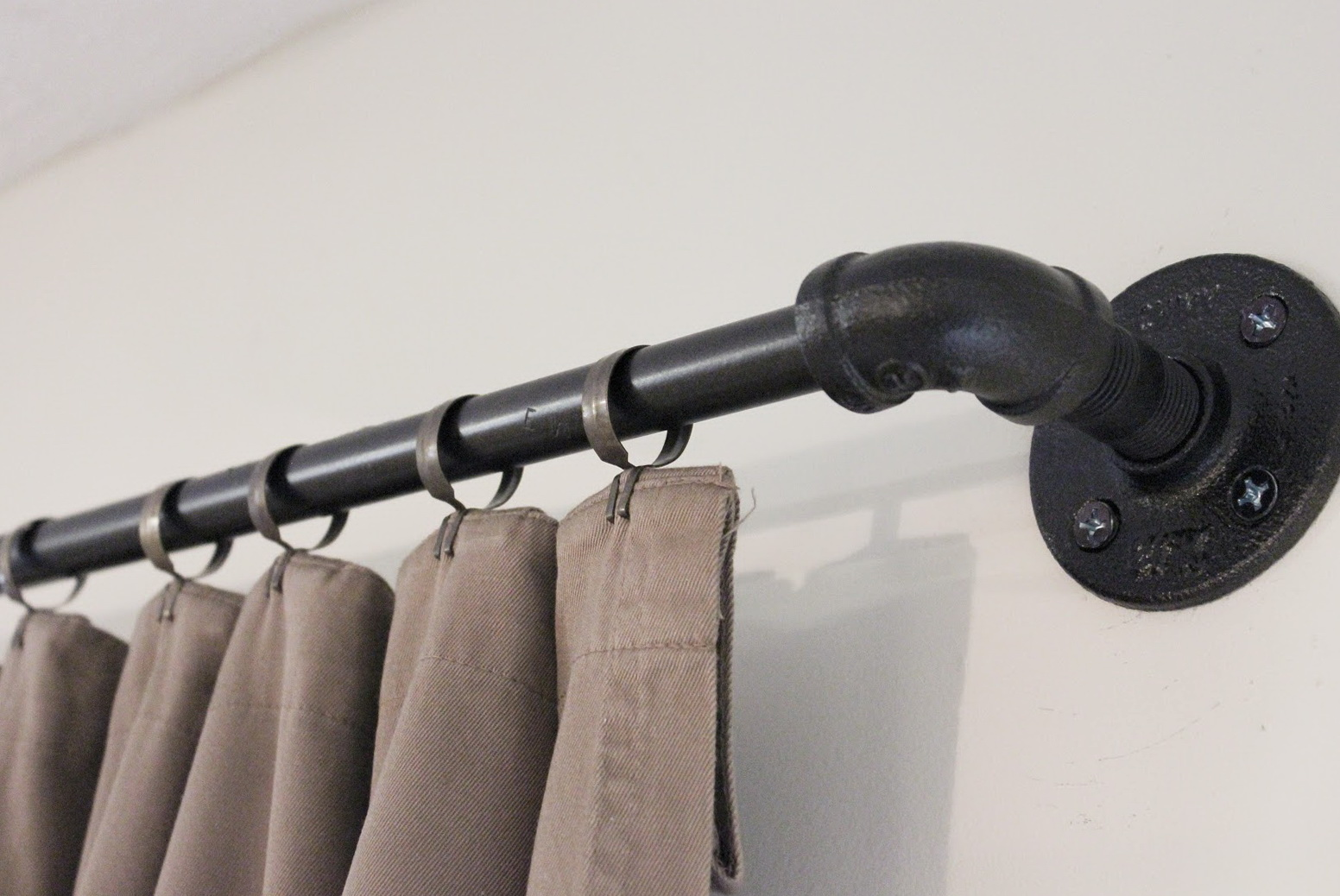 Metal Pipe Curtain Rods