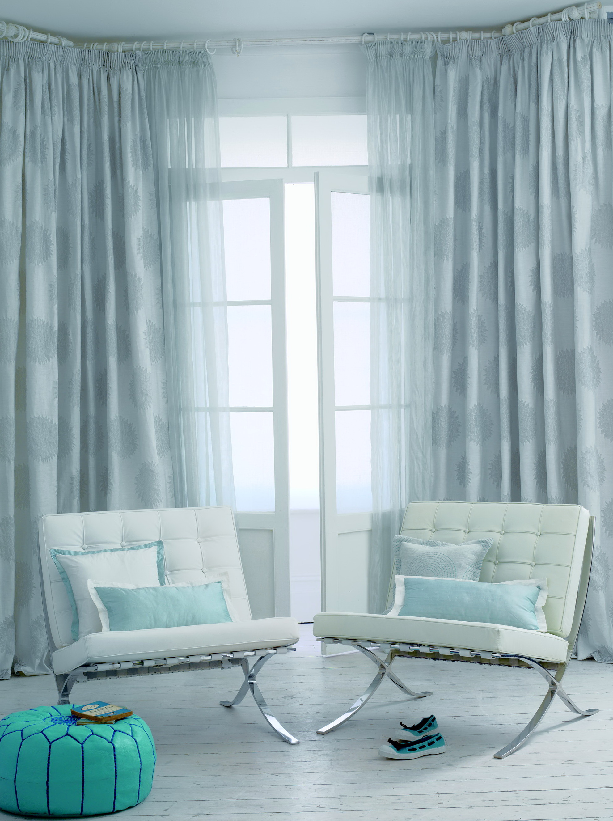 Small Living Room Curtains Ideas