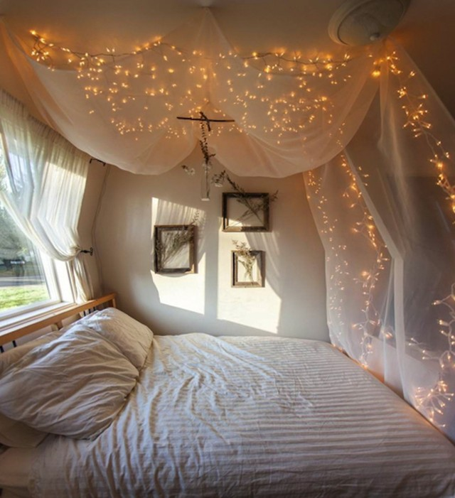 Beds With Curtains Around Them