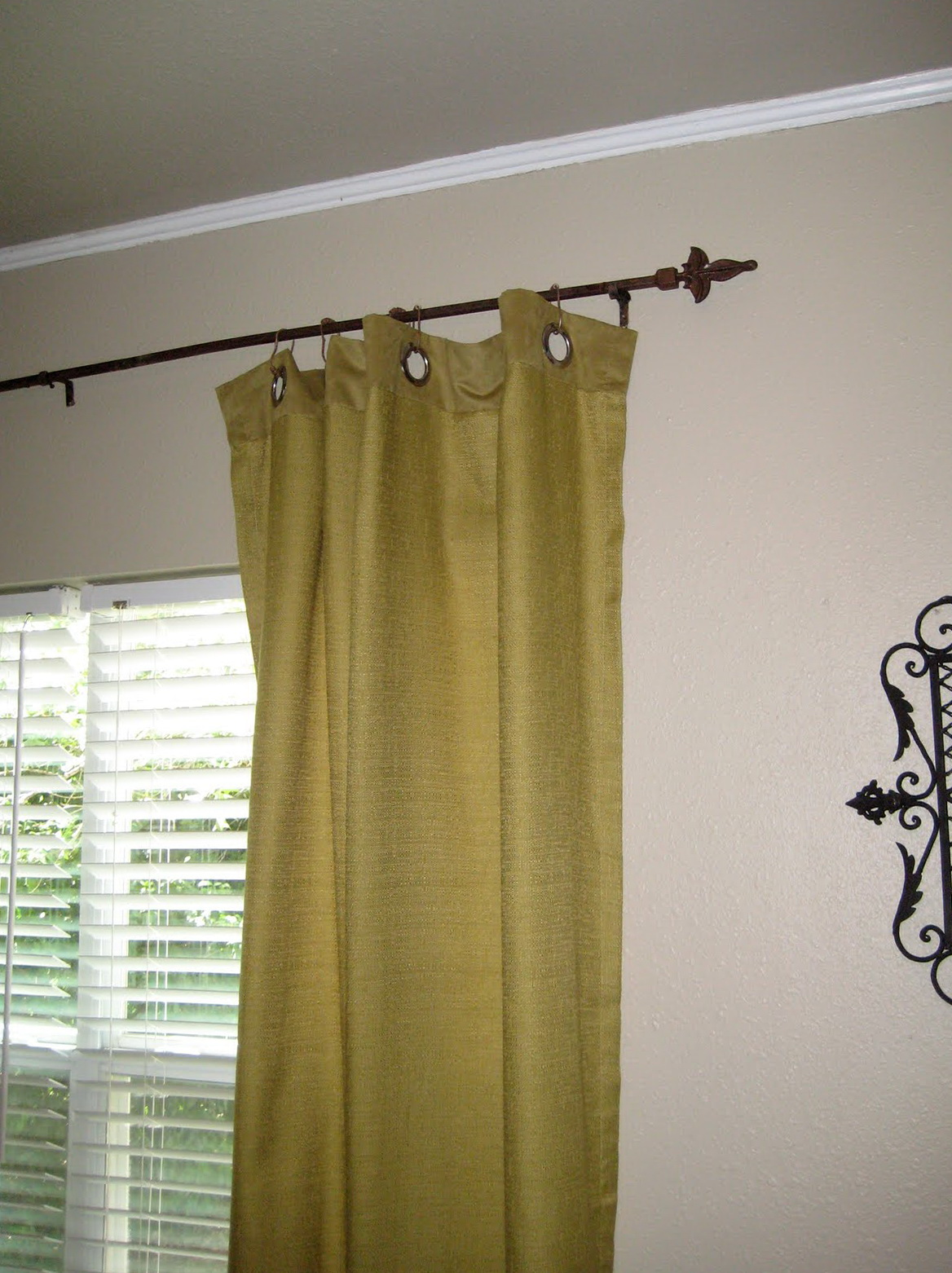 Best Curtain Rods For Apartments