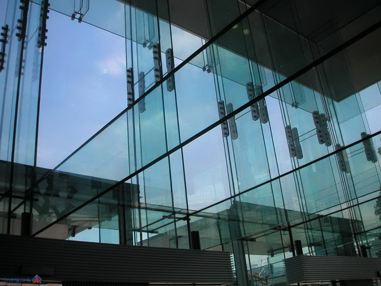 Double Curtain Wall Section