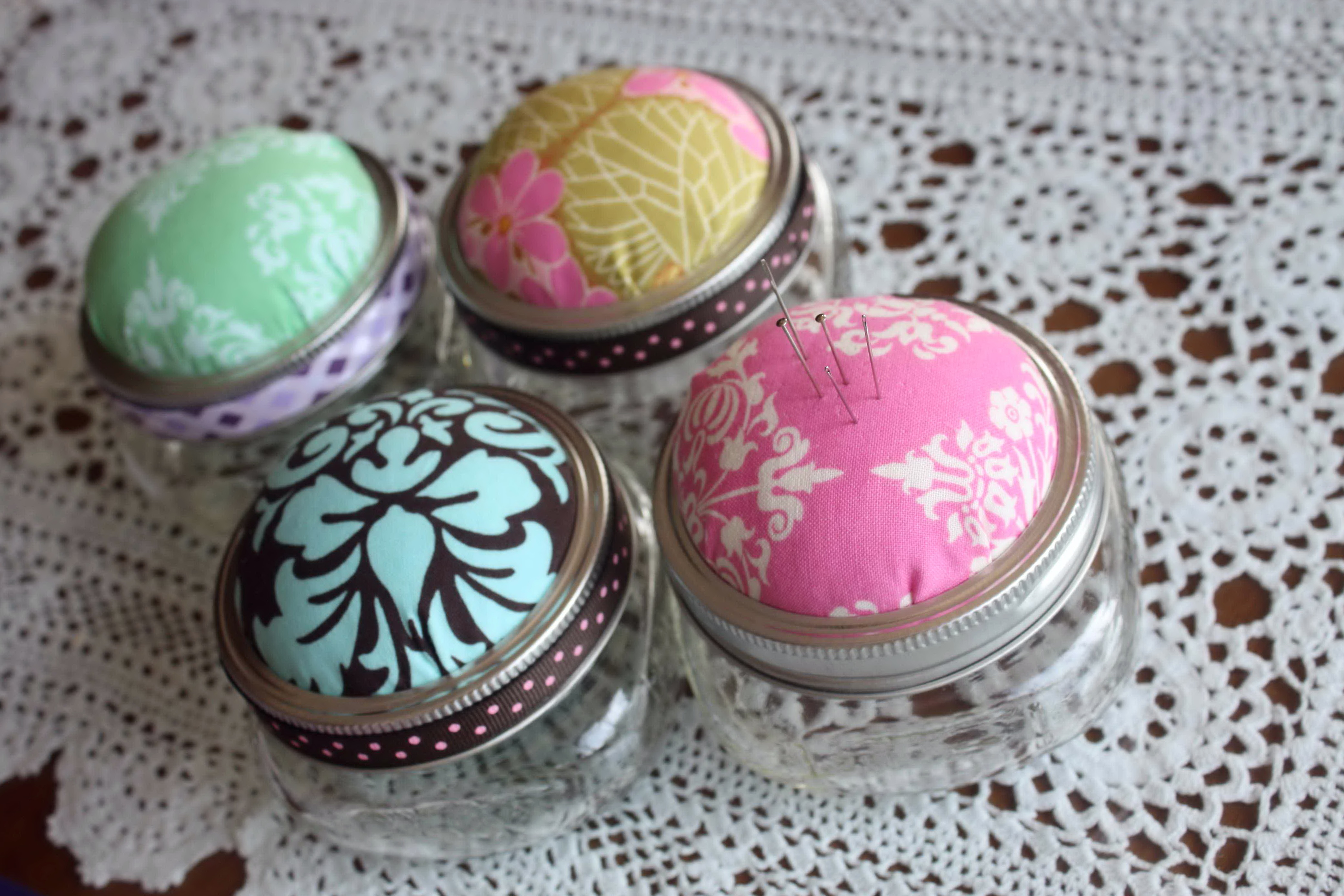 Magnetic Pin Cushion With Cover