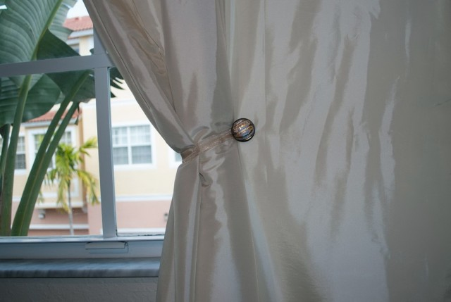 Round Holdbacks For Curtains