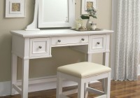 Mirrored Vanity Table With Lights
