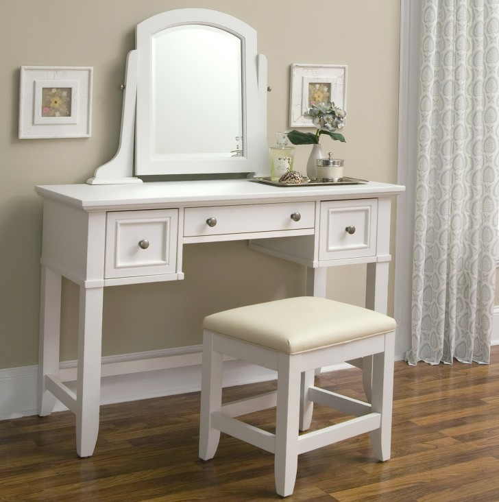 Permalink to Mirrored Vanity Table With Lights