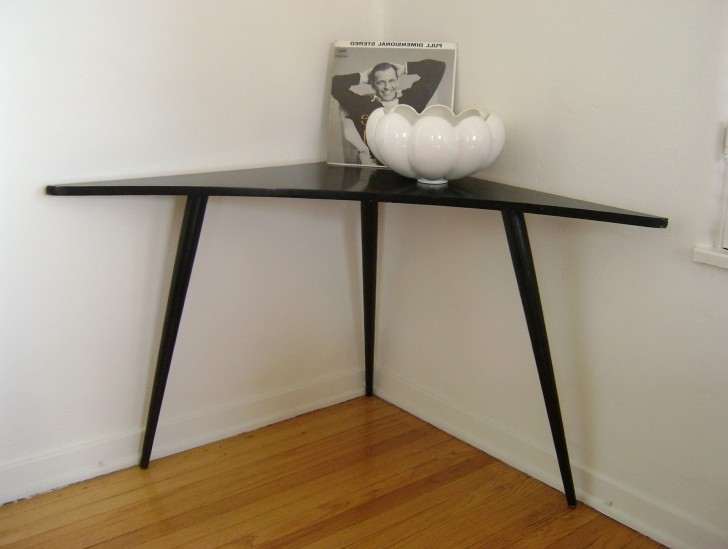 Permalink to Modern Corner Accent Table