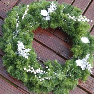 Example of a Christmas wreath with decoration