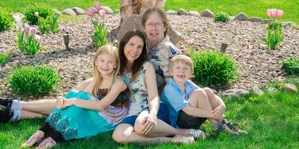 "Mom With Epilepsy on Raising Kids: ""My Family Knows How to Unite in Any Kind of Difficulty"""