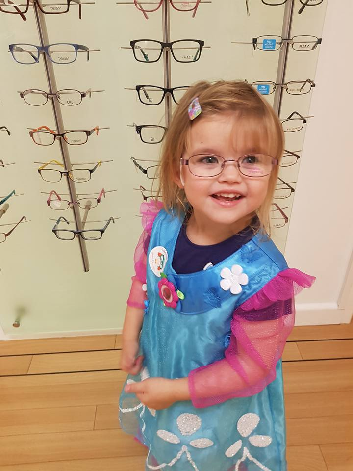 Shaniah and her glasses