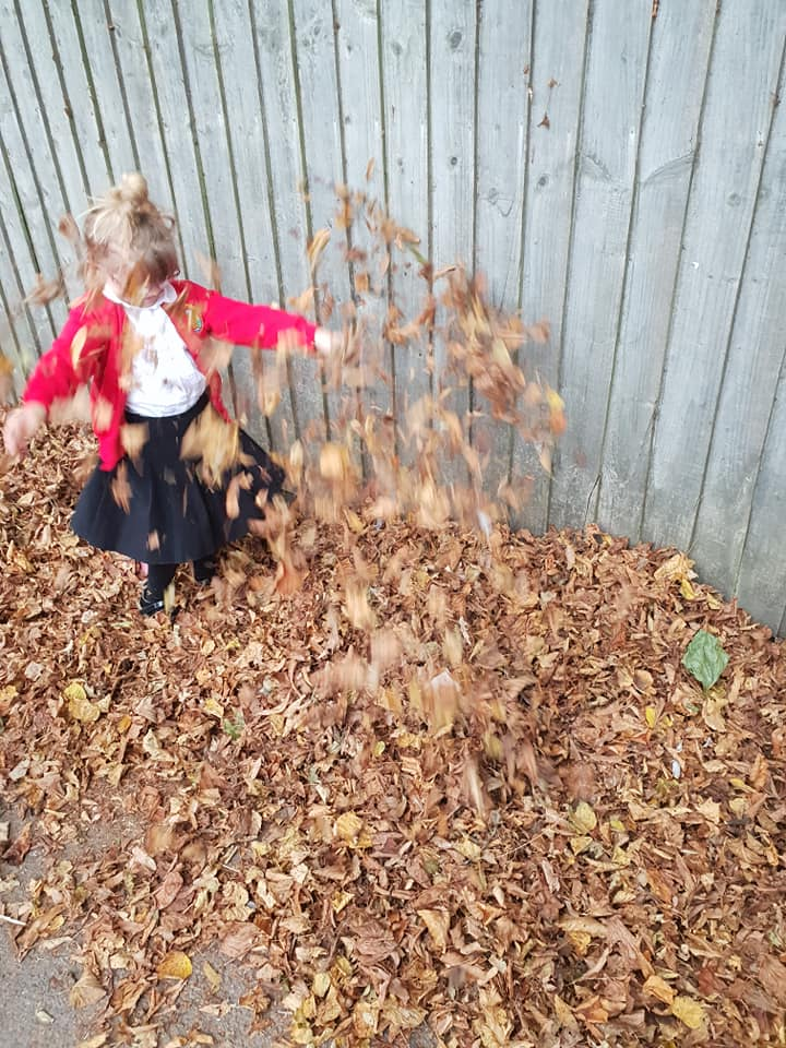Shaniah in the leaves