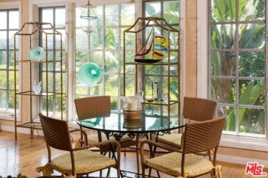 convservatory like dining space