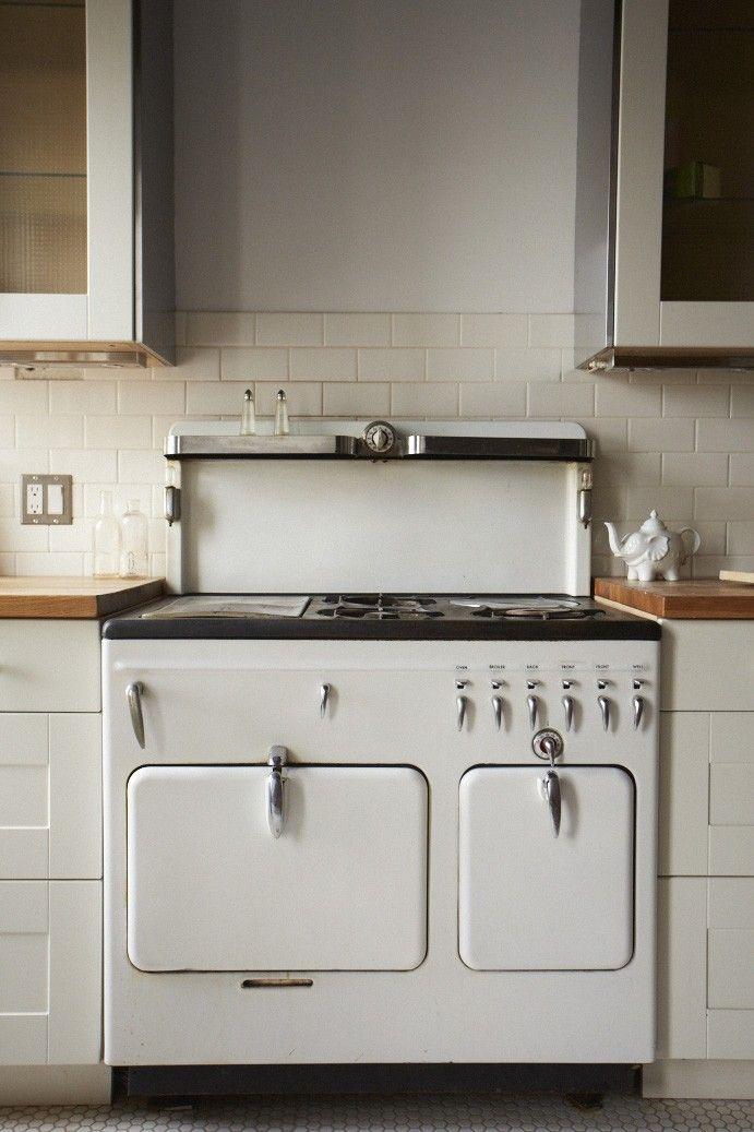 white appliance range