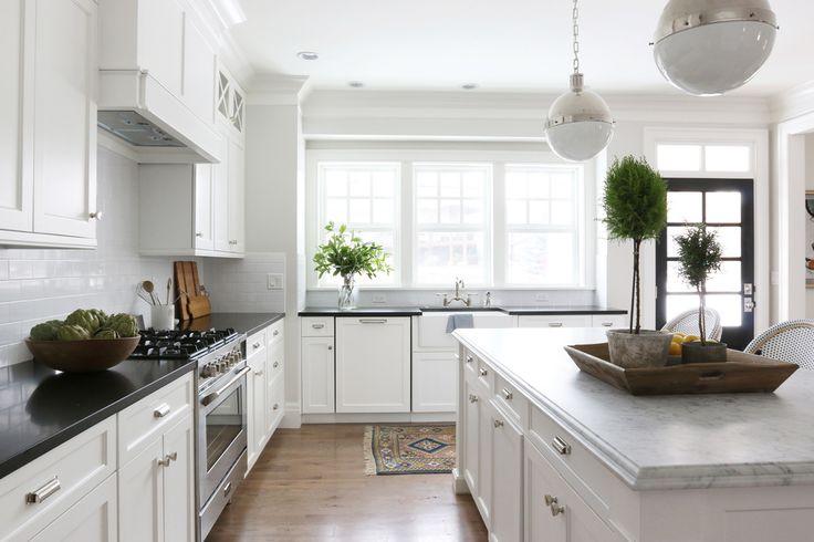 white kitchen breadboard
