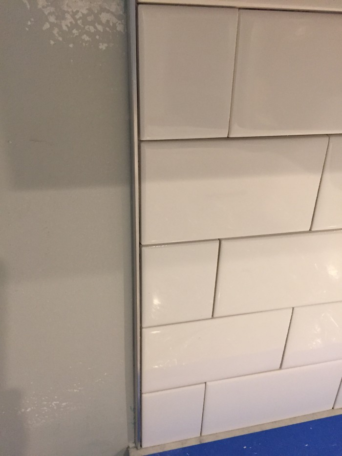vertical backsplash border