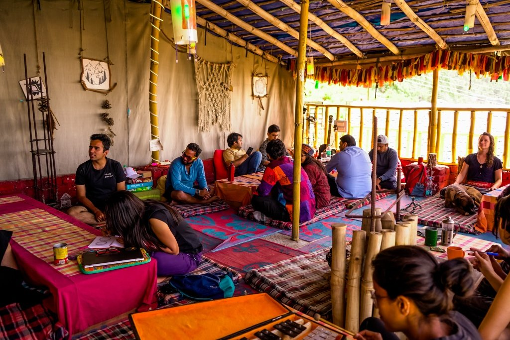 Cafe Vibes The Bunker Hostel Dharamkot