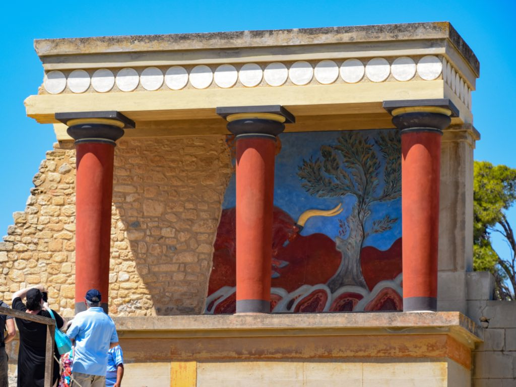 Knossos Palace - Crete Travel Guide
