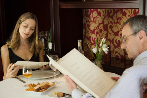 Follow these rules to avoid overeating when ordering off restaurant menus.