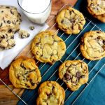 Jacques Torres Chocolate Chip Cookies are crispy-on-the-outside, gooey-on-the-inside cookie and a serious contender for the BEST EVER chocolate chip cookies. | theeverykitchen.com