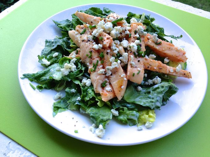 Grilled Buffalo Chicken Salad | theeverykitchen.com