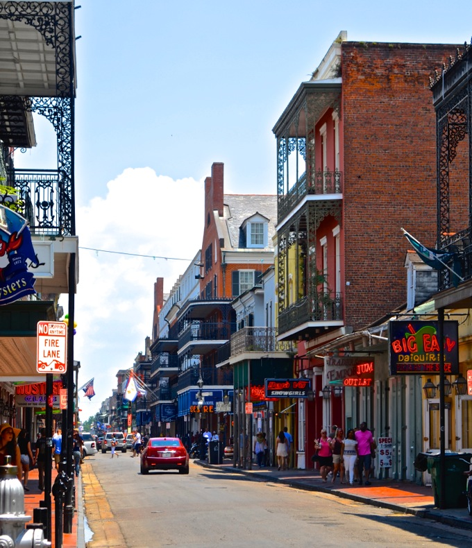 Bourbon Street, New Orleans | Danielle Does New Orleans! | theeverykitchen.com