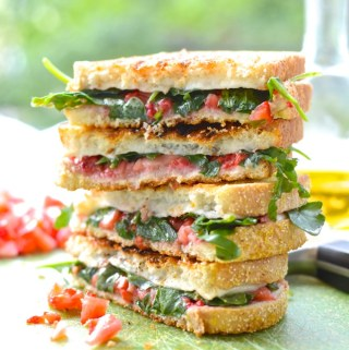 Strawberry and Arugula Grilled Cheese. Get your summer grill on at theeverykitchen.com