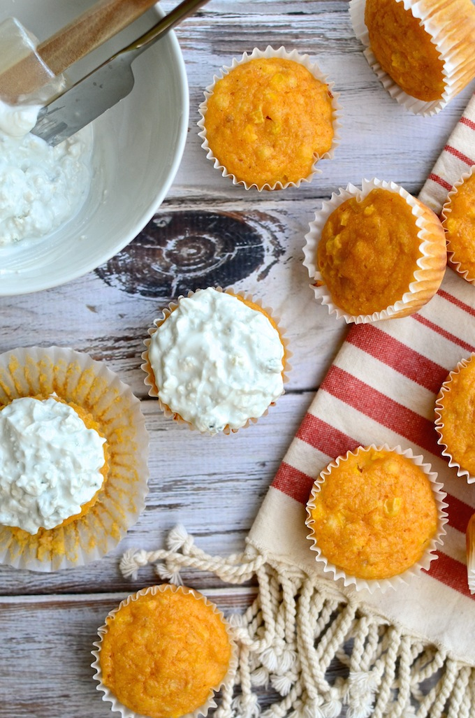 Perfect for Game Day! Buffalo Chicken Cornbread Muffins with Blue Cheese Topping | www.theeverykitchen.com