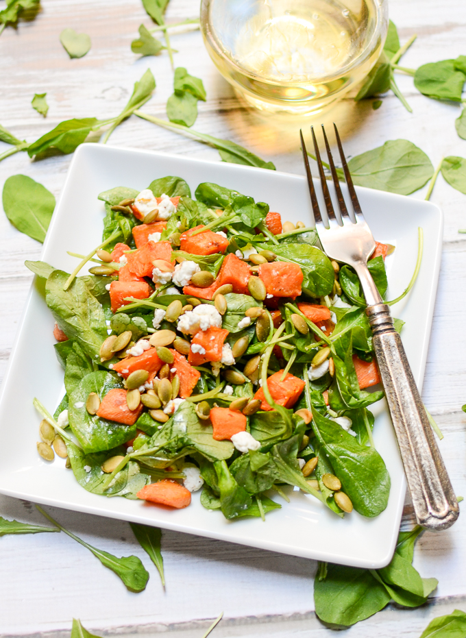 roasted pumpkin and goat cheese salad | www.theeverykitchen.com