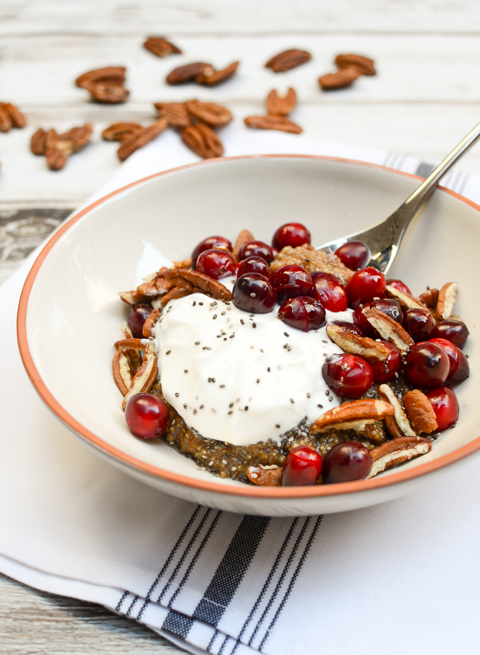 Cranberry-Pecan Spiced Quinoa Breakfast Bowls | www.theeverykitchen.com
