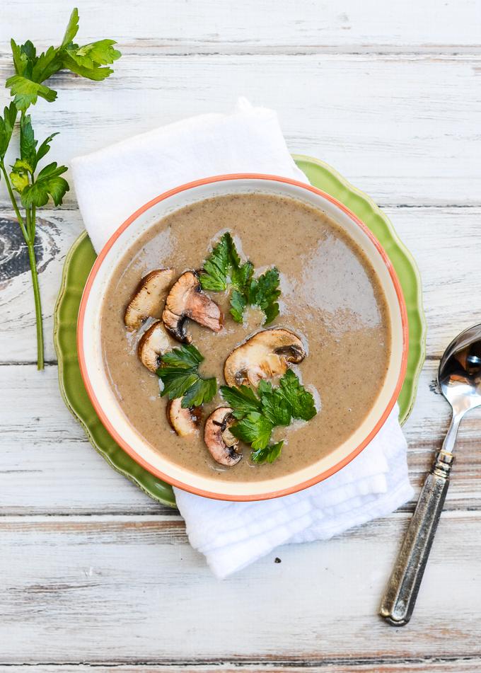 Dairy-Free Creamy Mushroom Soup | www.theeverykitchen.com