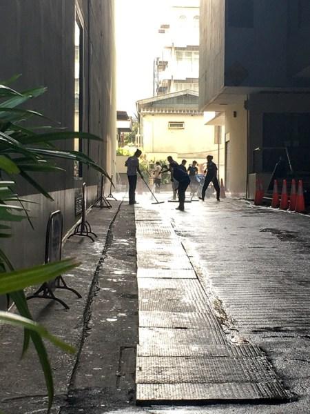 Bangkok side street | www.theeverykitchen.com