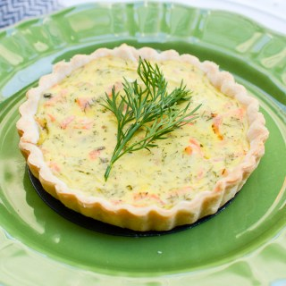 Newest recipe obsession: Smoked Salmon, Dill, and Horseradish Tartlets - A perfectly cooked crust with salty, smoky, slightly spicy, herby, eggy filling. | theeverykitchen.com