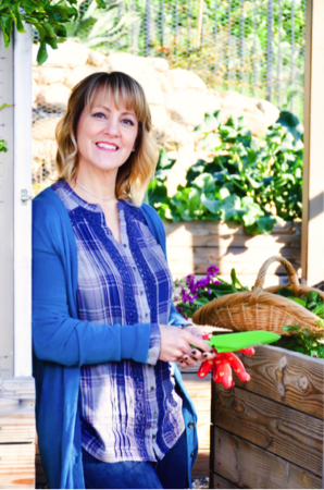 Sharon Palmer, The Plant-Powered Dietitian virtually visits The Every Kitchen | theeverykitchen.com