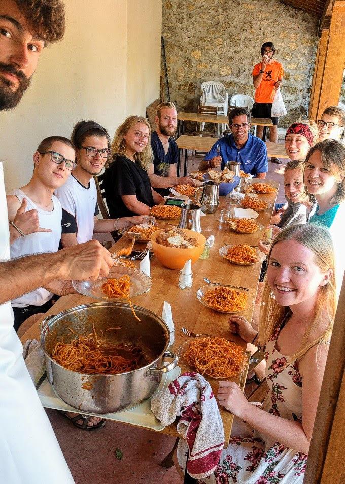 """Family"" dinner, Camino de Santiago | theeverykitchen.com"
